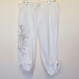 Lucky Brand white cropped pants SZ 14/32